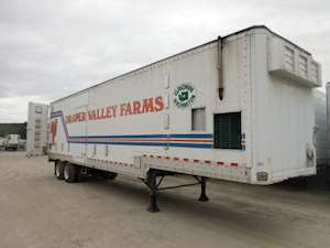 US Trailer Rental Sales Lease and Storage Buys Rents and Repairs All Commercial Trailers Reefers Flatbeds and Dry Vans image_20171206_043848_67